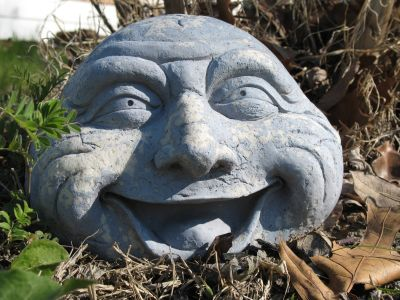 The garden headstone (or is it the stone head?).