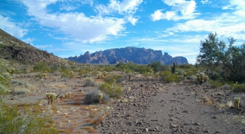 At the base of the china hat we could see the Kofa mountains more clearly.